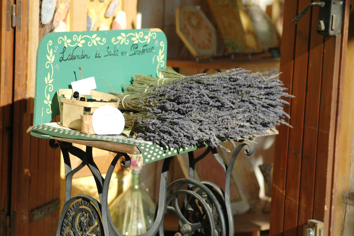 dried lavender makes wonderful natural products including sachets, infused oils, potpourri and for culinary dishes.