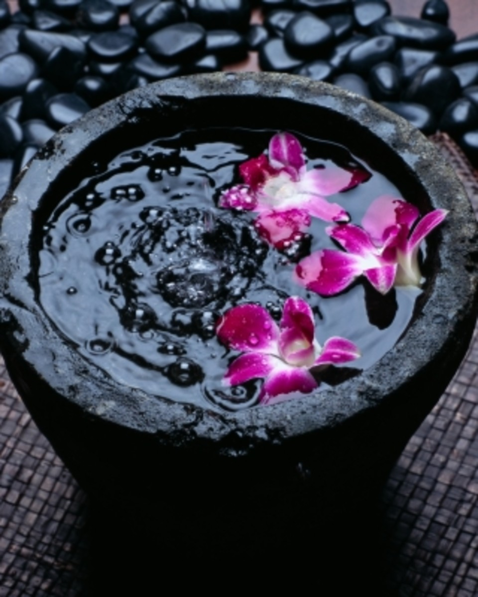 petals, water and a few drops of essential oil is an easy and inexpensive way to create an ambiance.