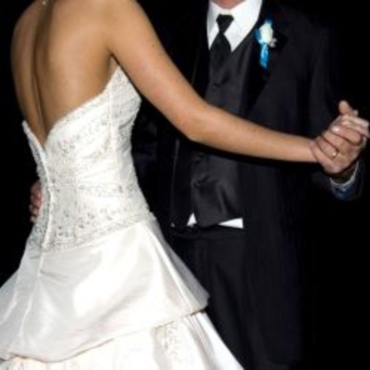 how-to-diy-your-wedding-dj