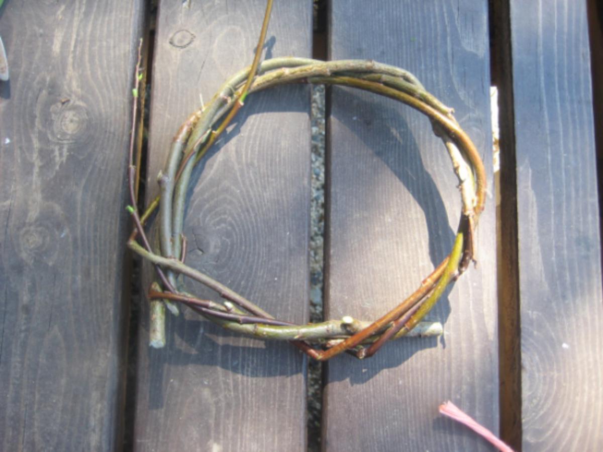willow wreath making loop