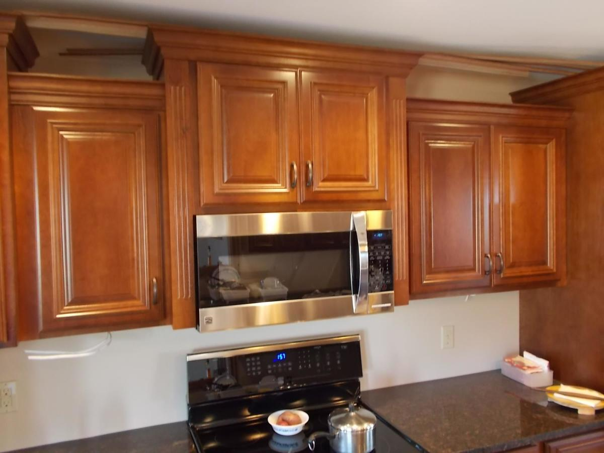 Countertop Microwave Vs Over The Range : How to Integrate a Microwave ? Better Homes & Gardens