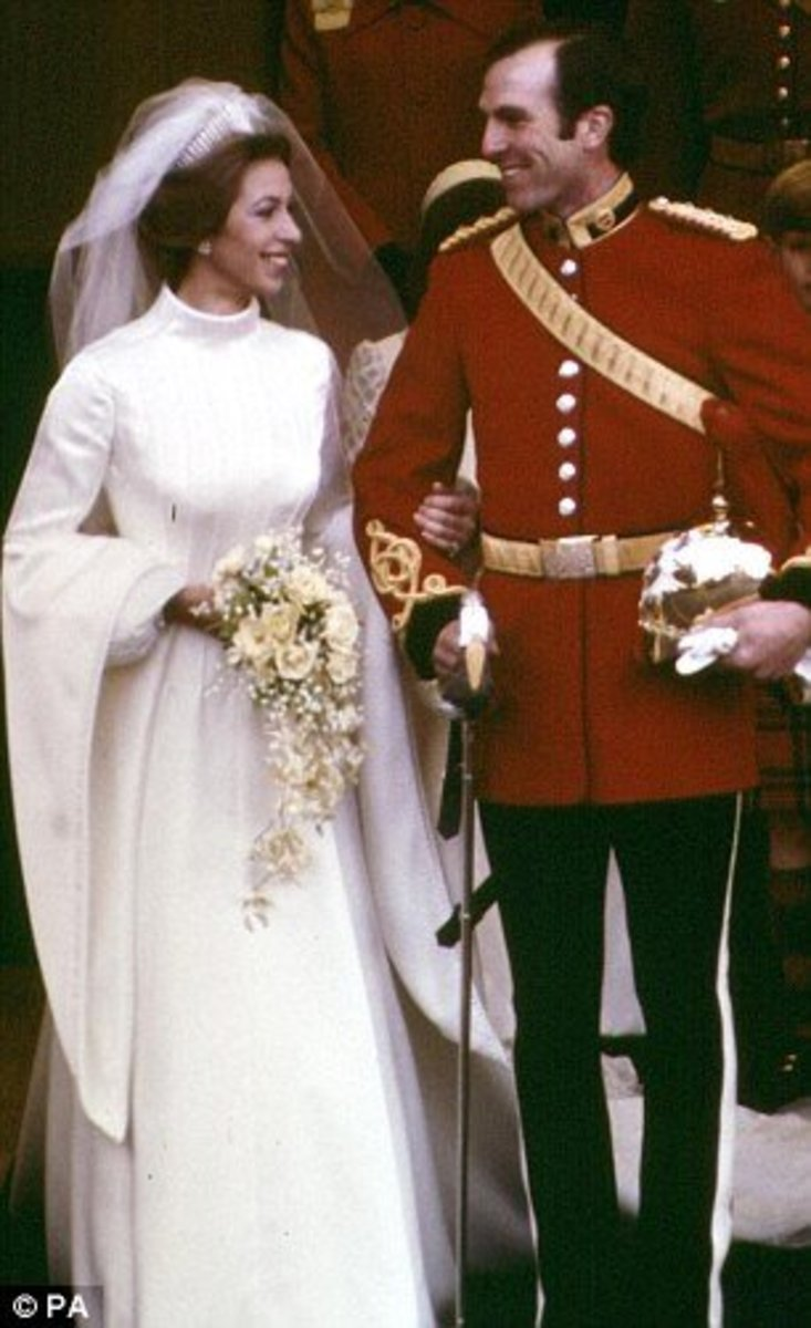 100 fabulous years of wedding gowns hubpages for Princess anne wedding dress