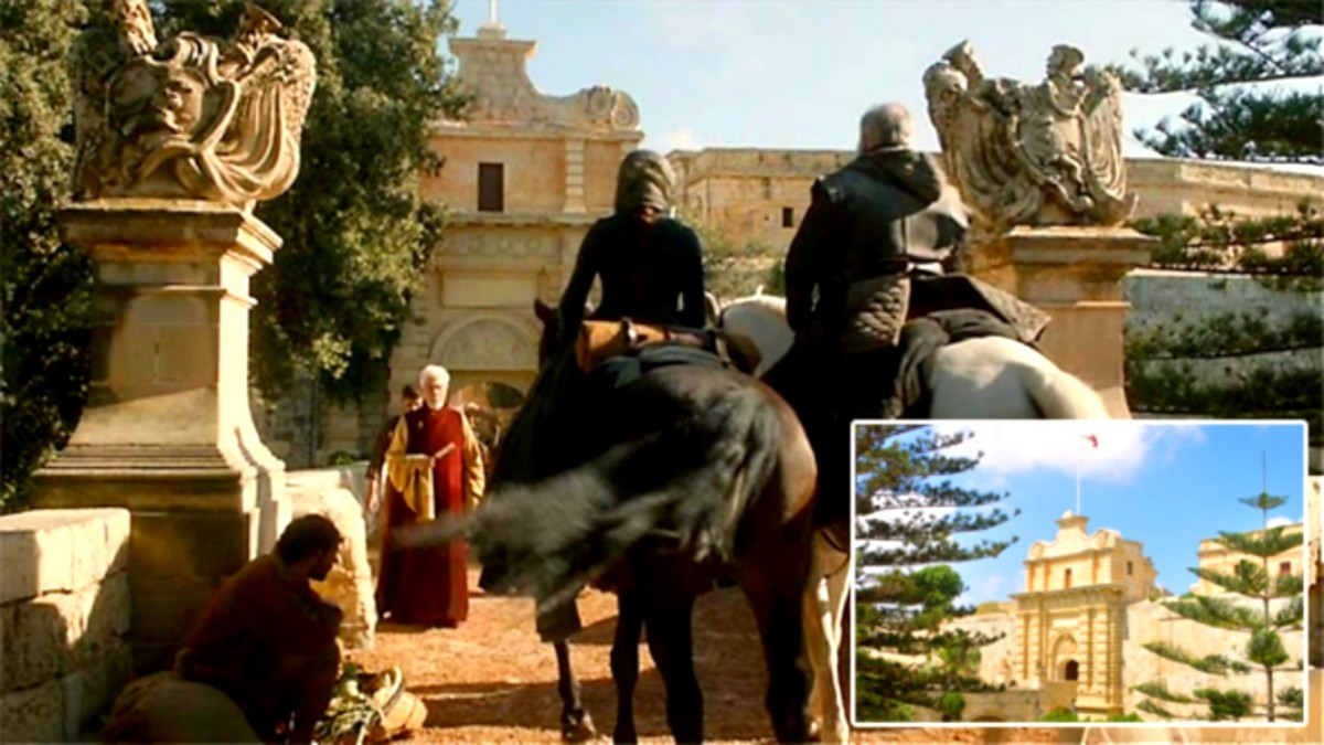 Mdina Gate, as Ned Stark rides up with his daughters into Kings Landing.