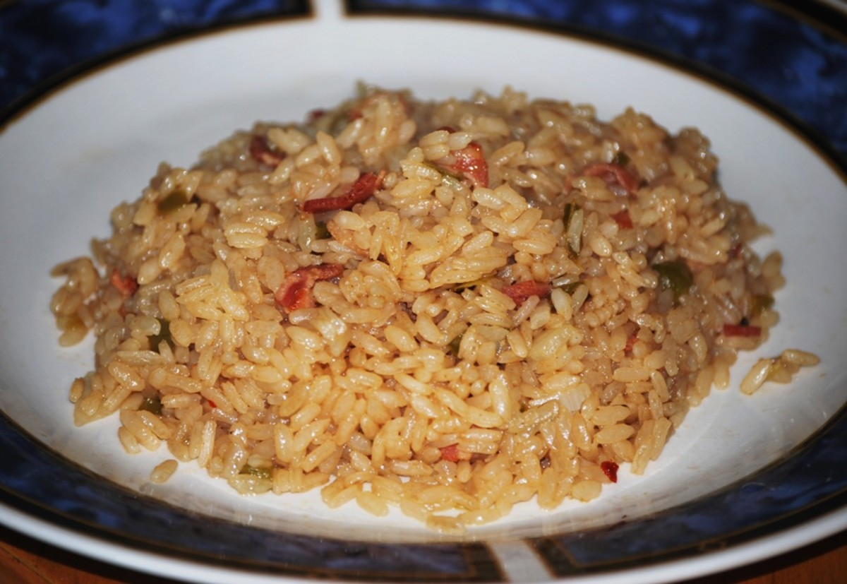 Island Bites: Arroz con cebolla y tocineta (Rice with Onions and Bacon)