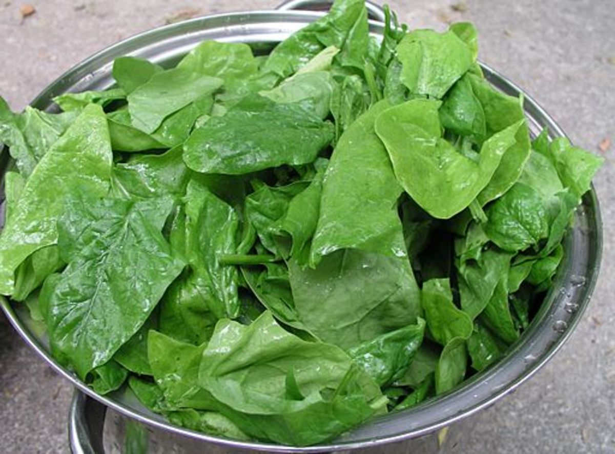 Spinach leaves make a great salad base.