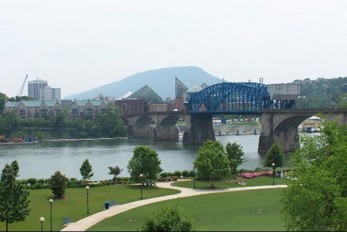 Chattanooga Claims Both Banks of The Tennessee River