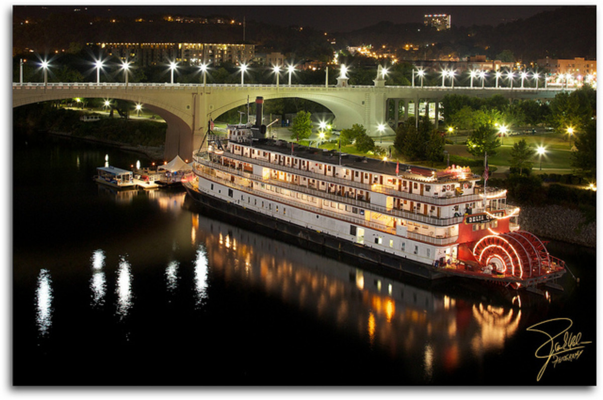 The Delta Queen Riverboat...Now a Docked Hotel!