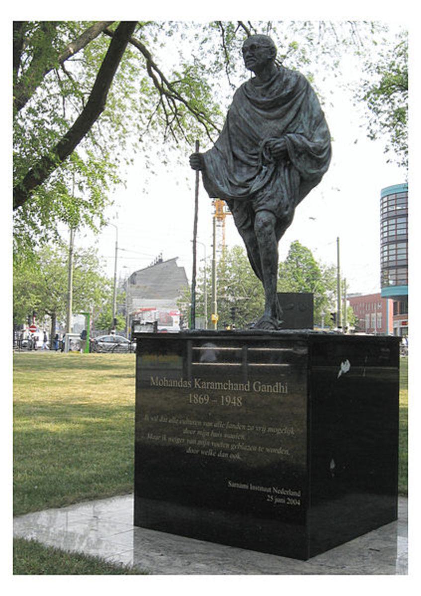 statues-of-mahatma-gandhi
