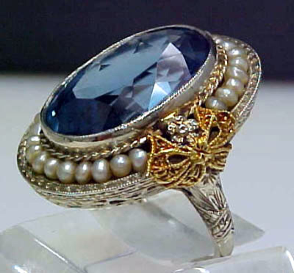 Sapphires, pearls, platinum and filigree were markers of Edwardian jewelry-making.