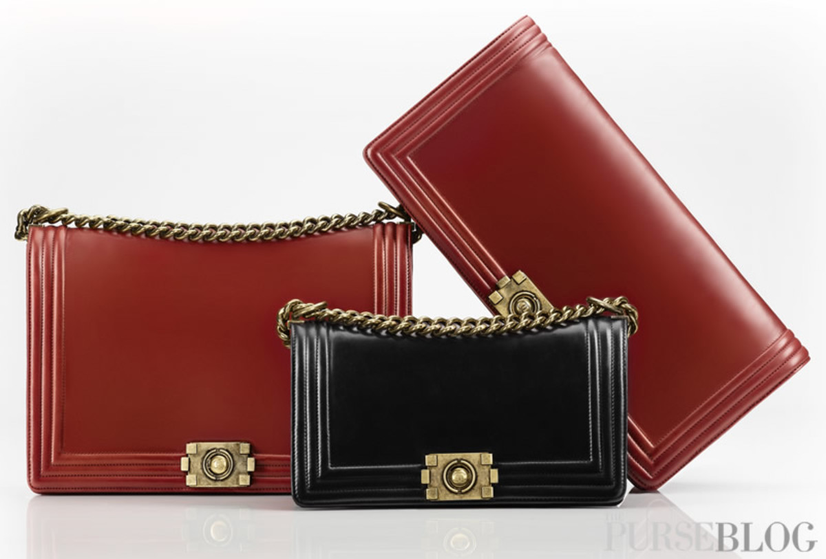 The Chanel handbag with the shoulder strap that Chanel invented.