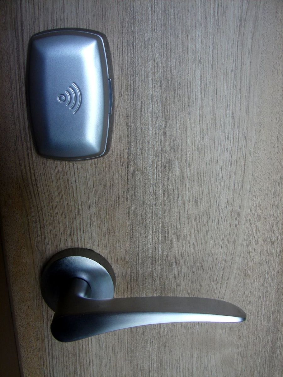 Which Is The Best Keyless Door Lock Four Rfid Amp Keypad