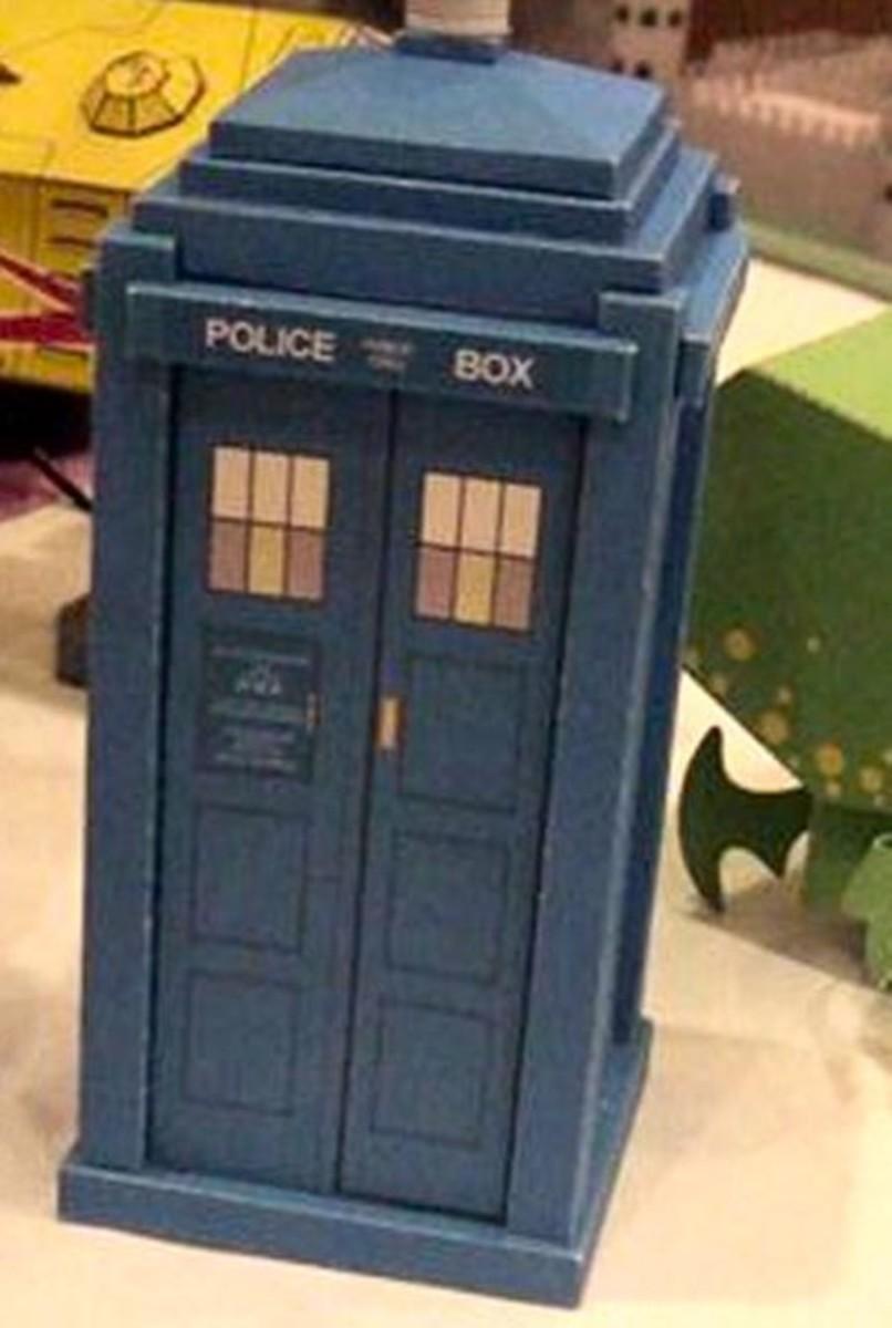 The Printable TARDIS From Steampunk Tardis Papercrafts.