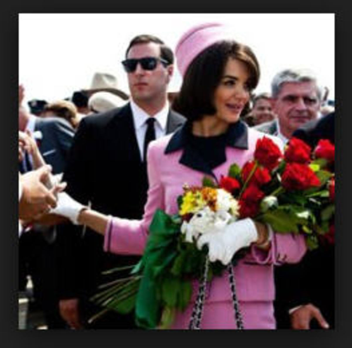 that-mysterious-pink-chanel-suit-of-jacqueline-kennedy