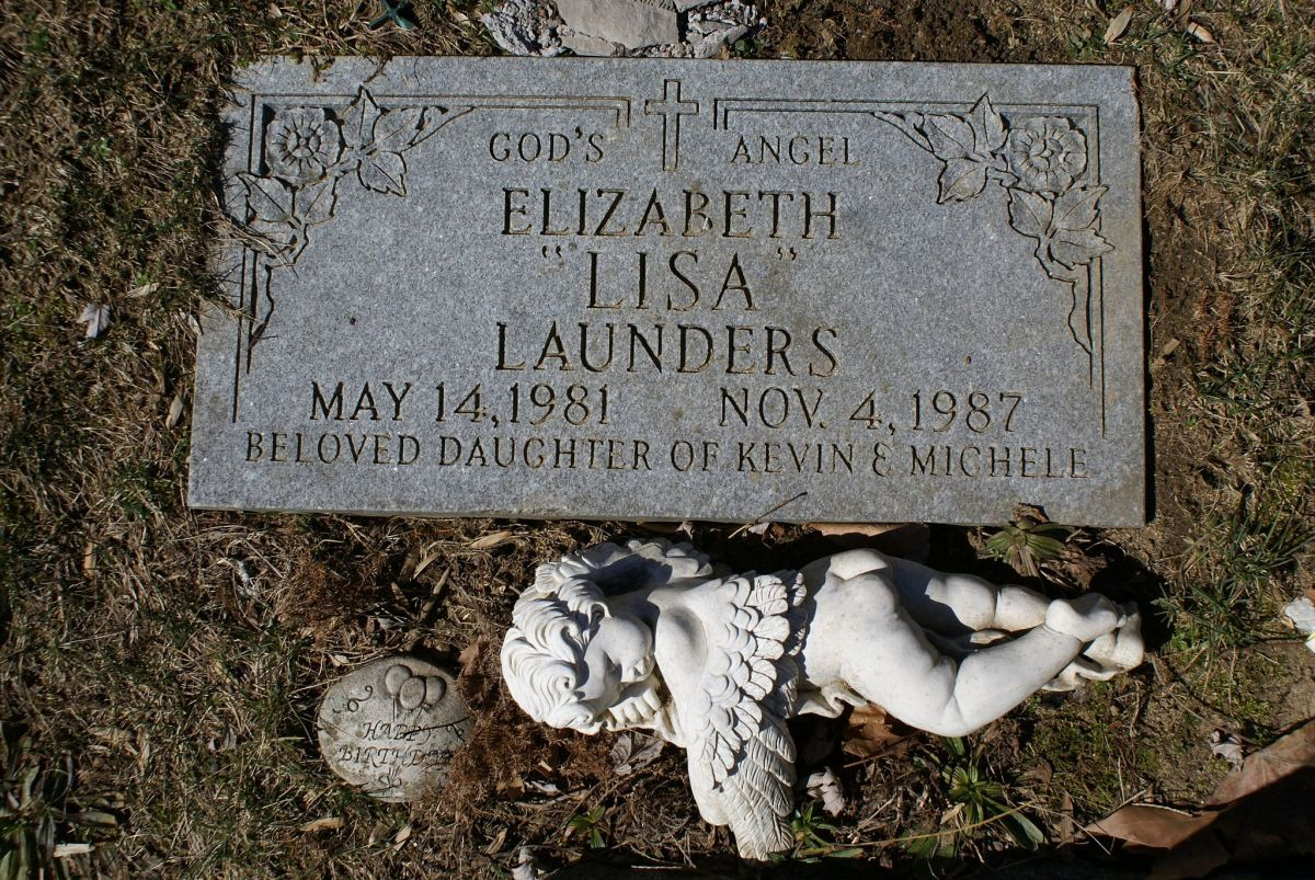 The grave of Elizabeth Lisa Launders killed by Joel Steinberg