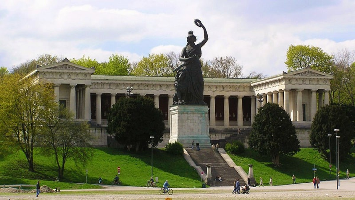 "Castle Ruhmeshalle, built by Ludwig I, in the neo-Classical style.  The statue ""Bavaria"" is in the foreground."
