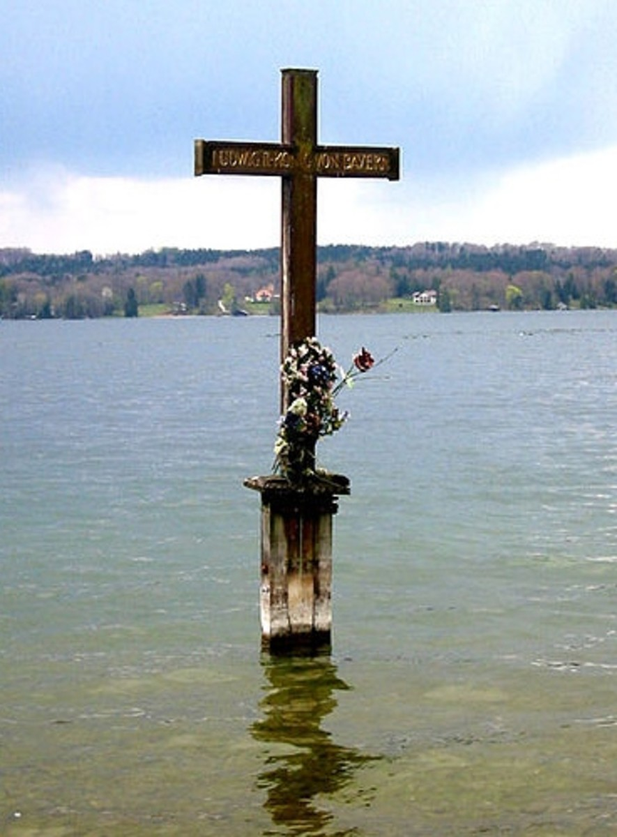 Memorial Cross at the site where the body of Ludwig II was found in Lake Starnberg.