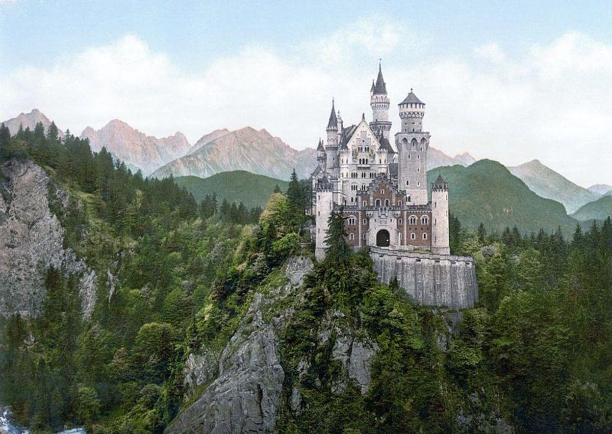 An 1890s photochrom print of Schloss Neuschwanstein.