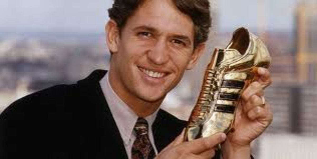 Lineker with the Italia 90 Golden Boot.