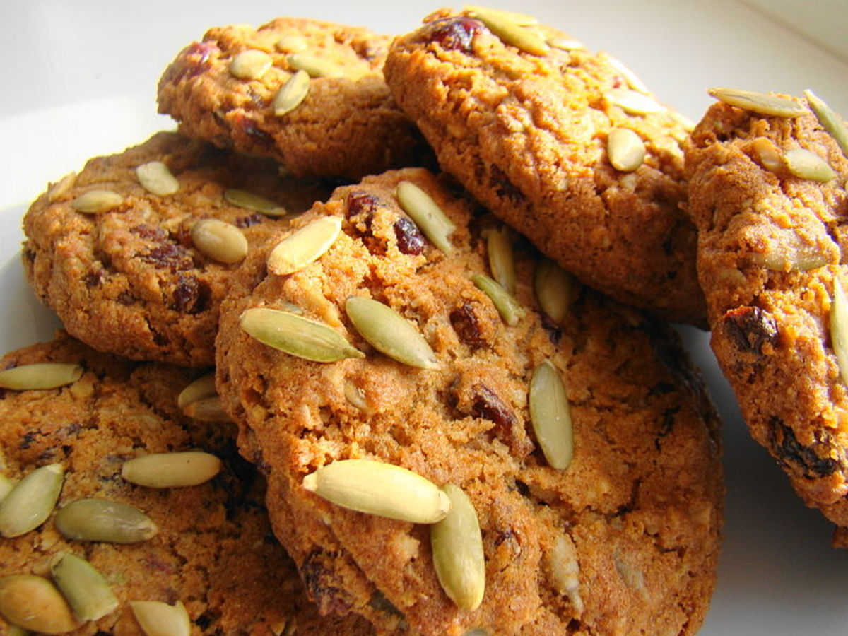 Grand Munchies with pepitas (pumpkin seeds) cookies