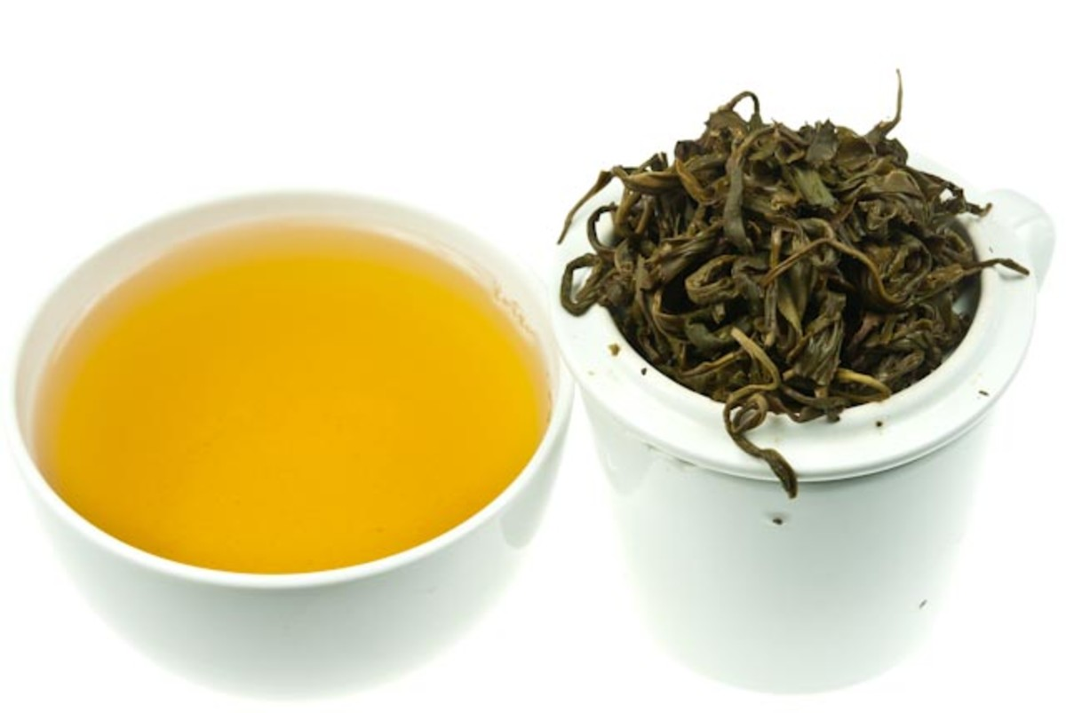 Gunpowder Green Tea and leaves