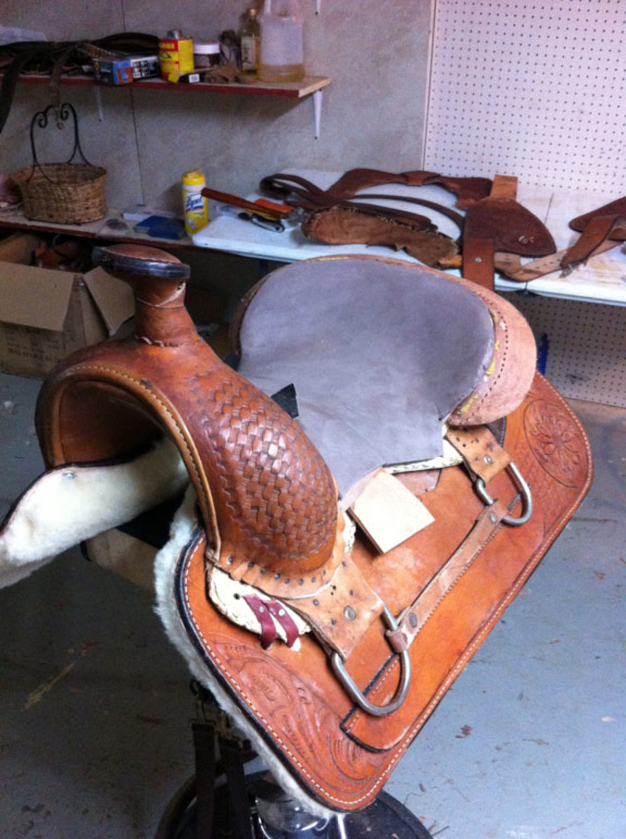 Replacement of old padding in western saddle seat replacement