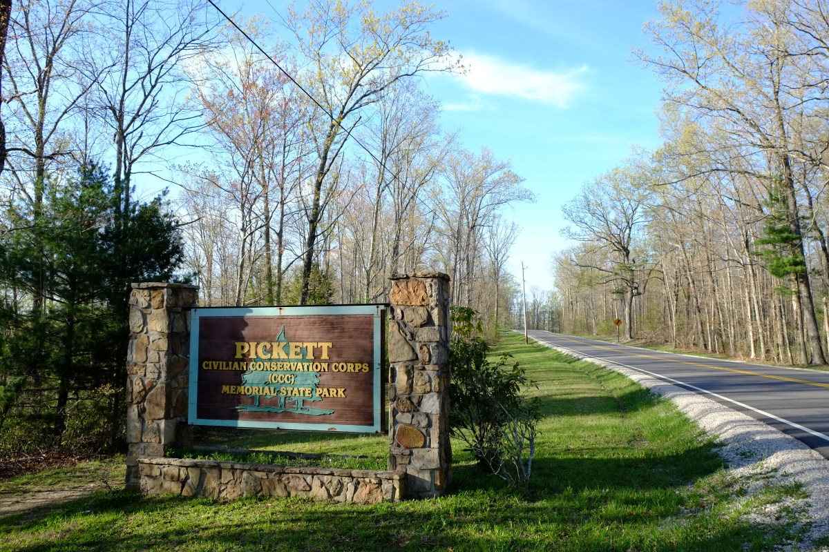 Pickett State Park Sign