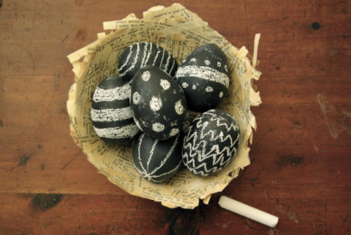 Chalk Board Easter Egg DIY