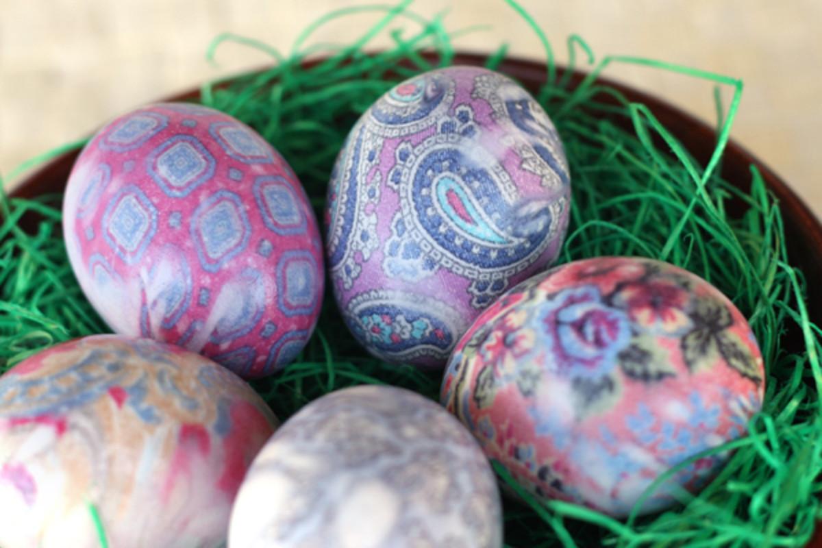 Silk Dyed Easter Egg DIY
