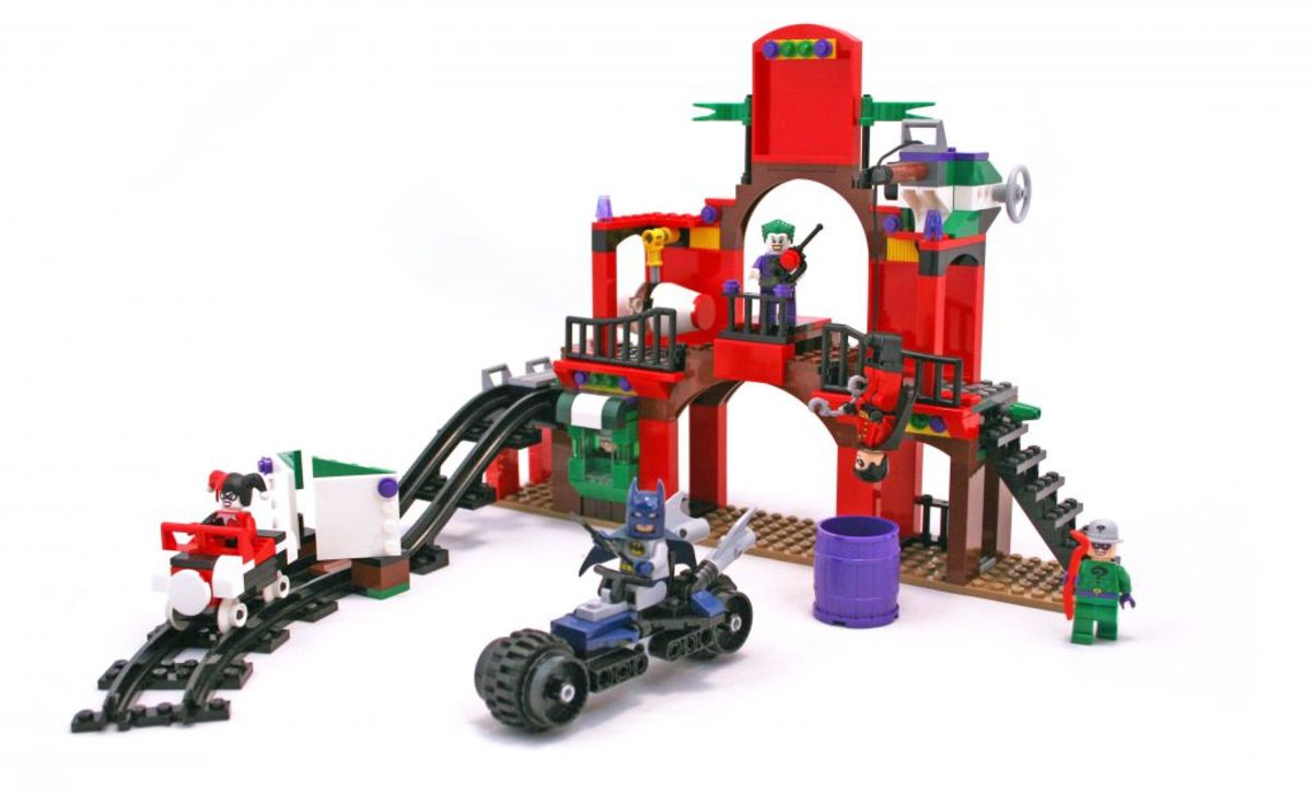 LEGO Super Heroes Dynamic Duo Funhouse Escape 6857 Assembled