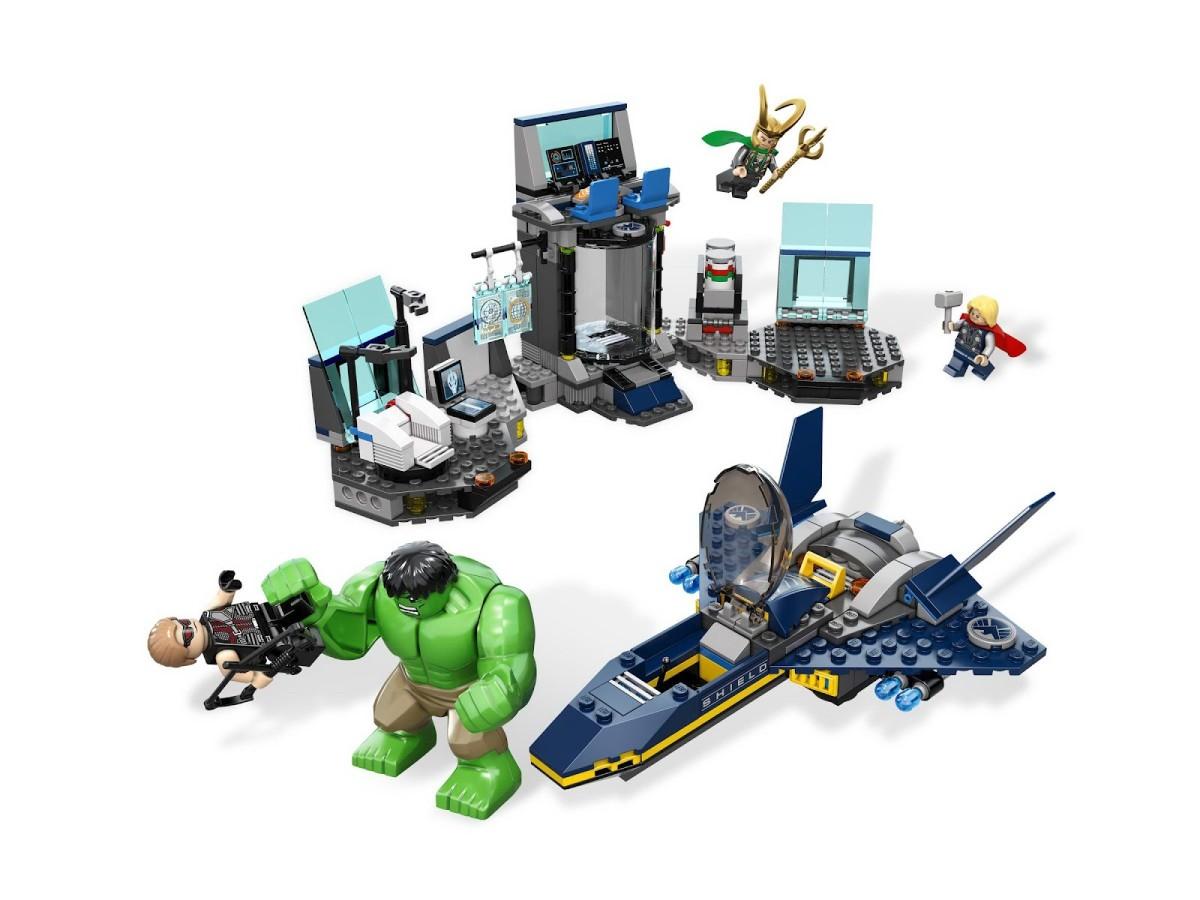 LEGO Super Heroes Hulk's Helicarrier Breakout Assembled