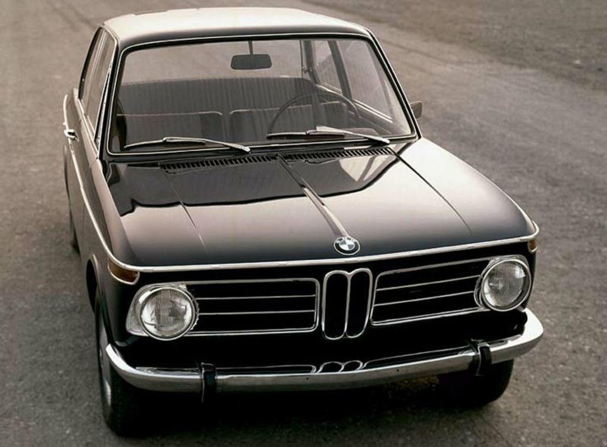 BMW 2002 Standard