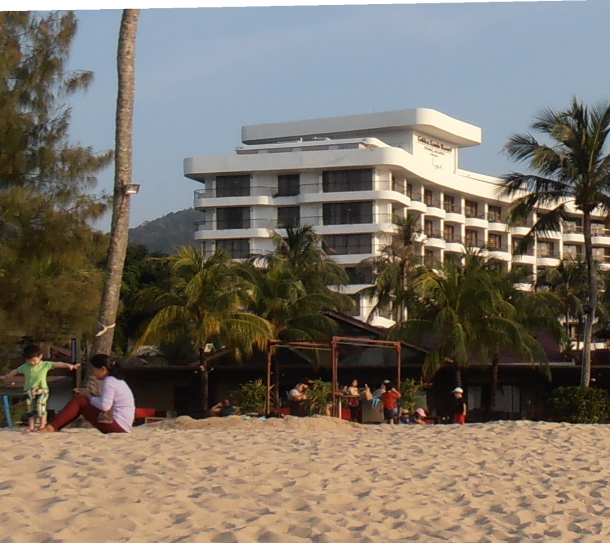Luxury hotel, The Golden Sands, close to the beach.
