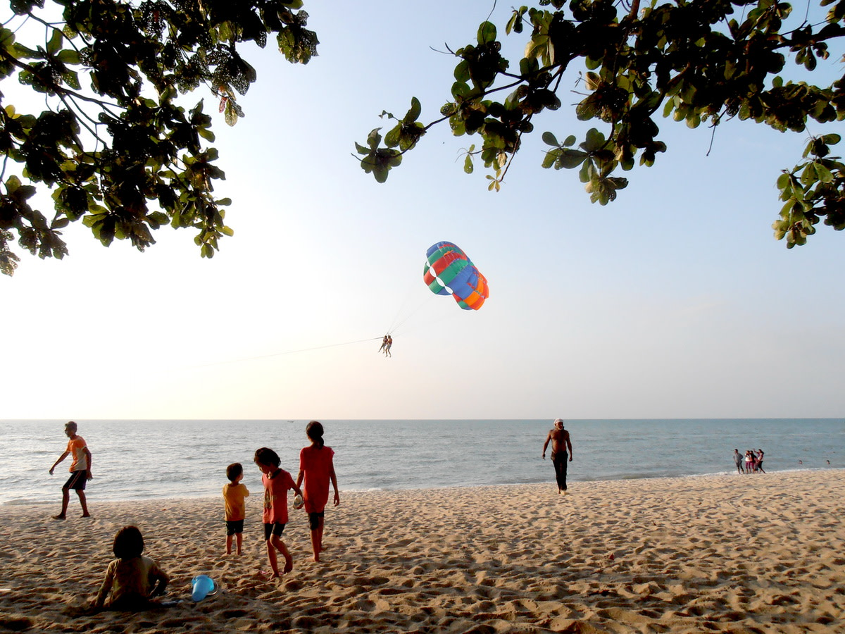 Evening parasail