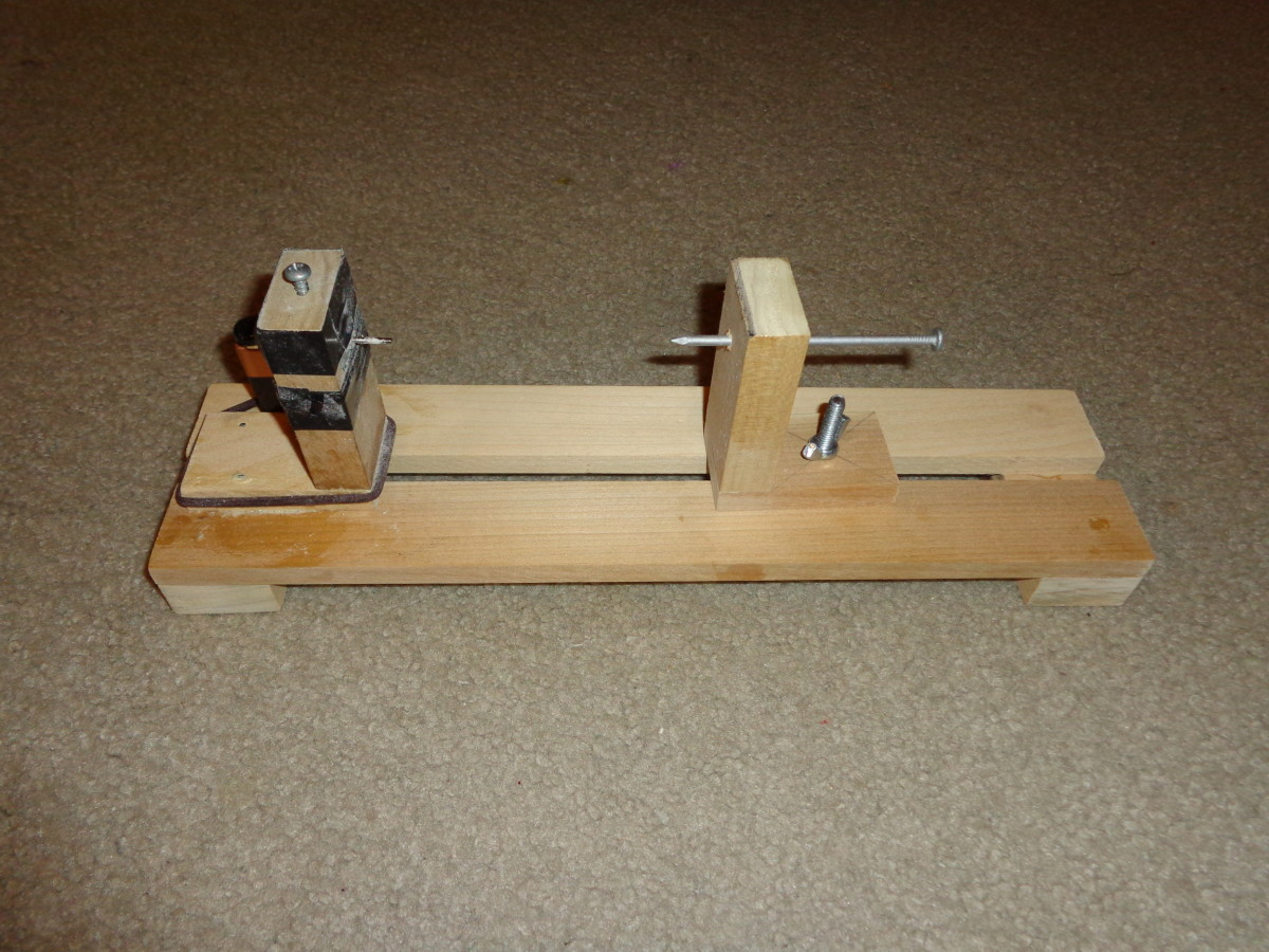 Simple Mini Balsa Wood Lathe