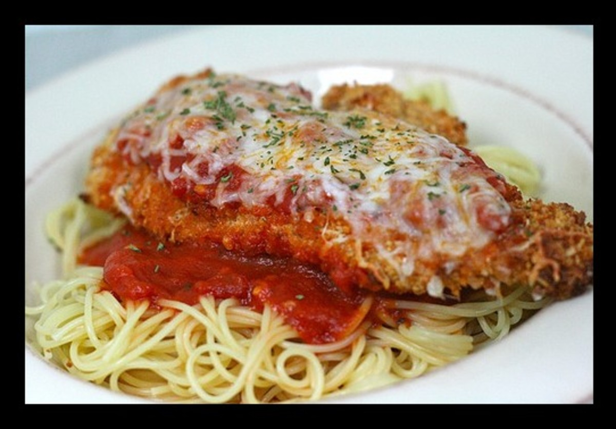 Here we have a wonderfully tasting Chicken Parmesan that comes from the crock pot. This recipe is so very delicious.