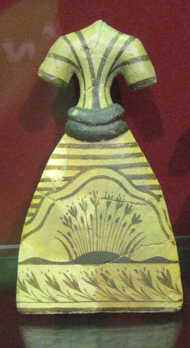 Dress From Crete Circa 1600 BC