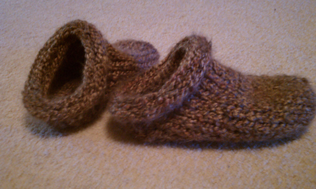 Clog slippers for the Knifty Knitter looms.
