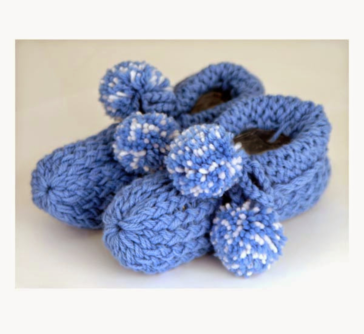 Knifty Knitter Slippers Pattern by Provo Craft