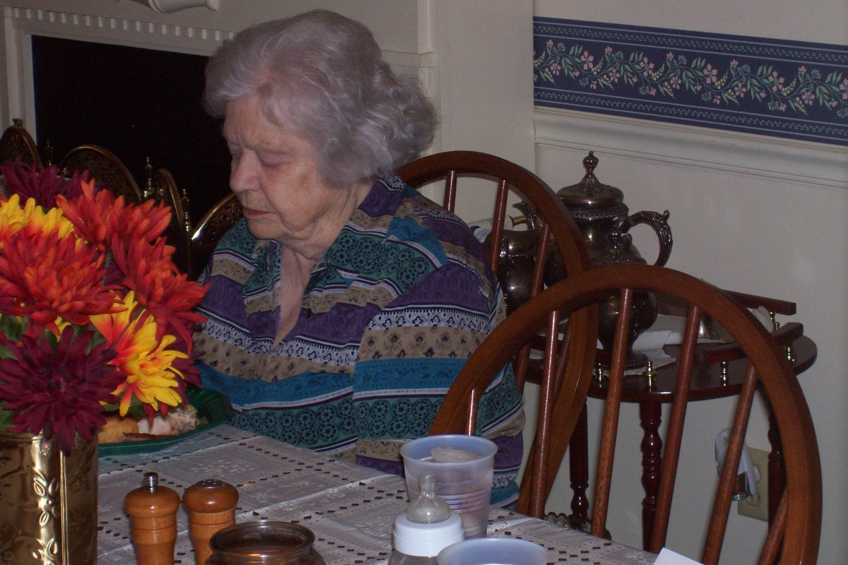 Mom's last Thanksgiving. Photo by Holle Abee.