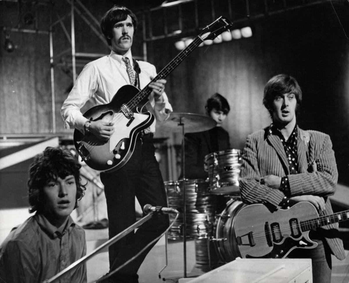 Spencer Davis (right) with the Spencer Davis Group