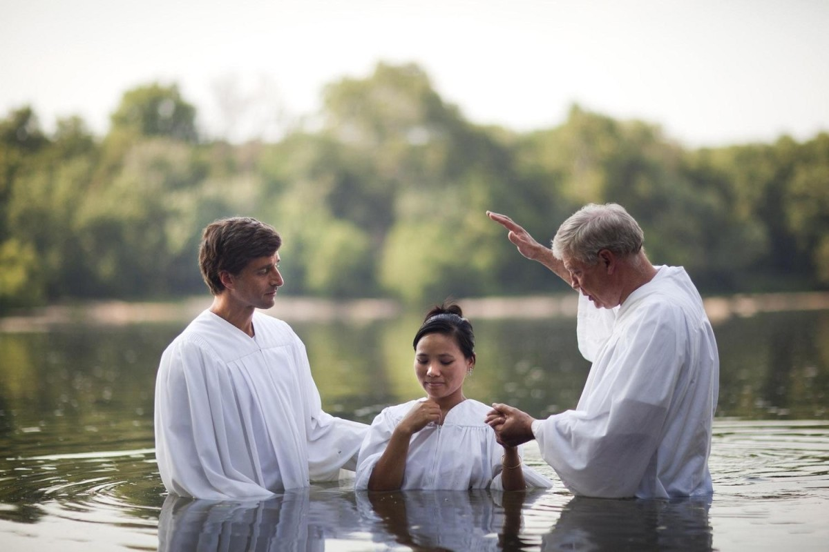 The scriptural mode of Christian baptism is a complete immersion in the water