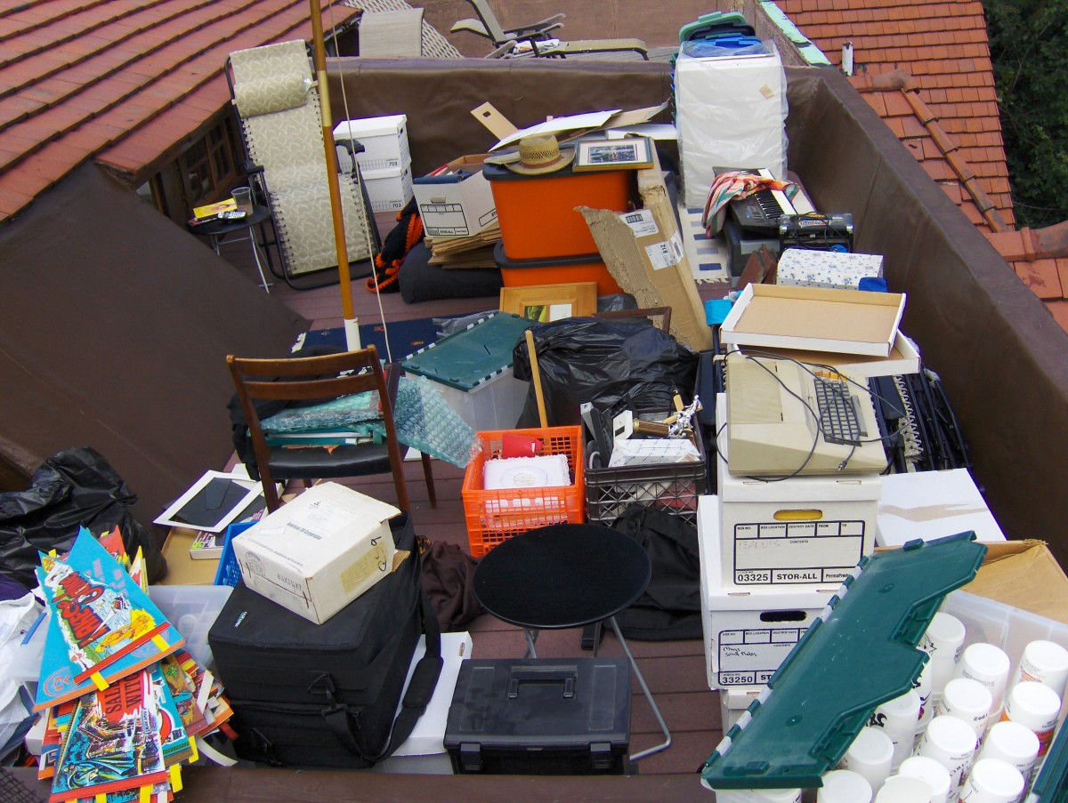 Decluttering Tips— Easy Way to Clean Up Your Stuff