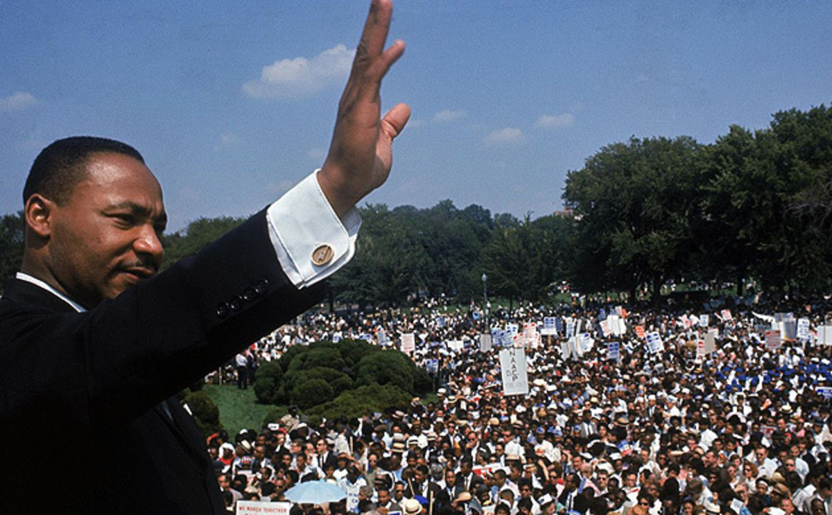 """DR MARTIN LUTHER KING JR DELIVERS HIS """"I HAVE A DREAM"""" SPEECH"""