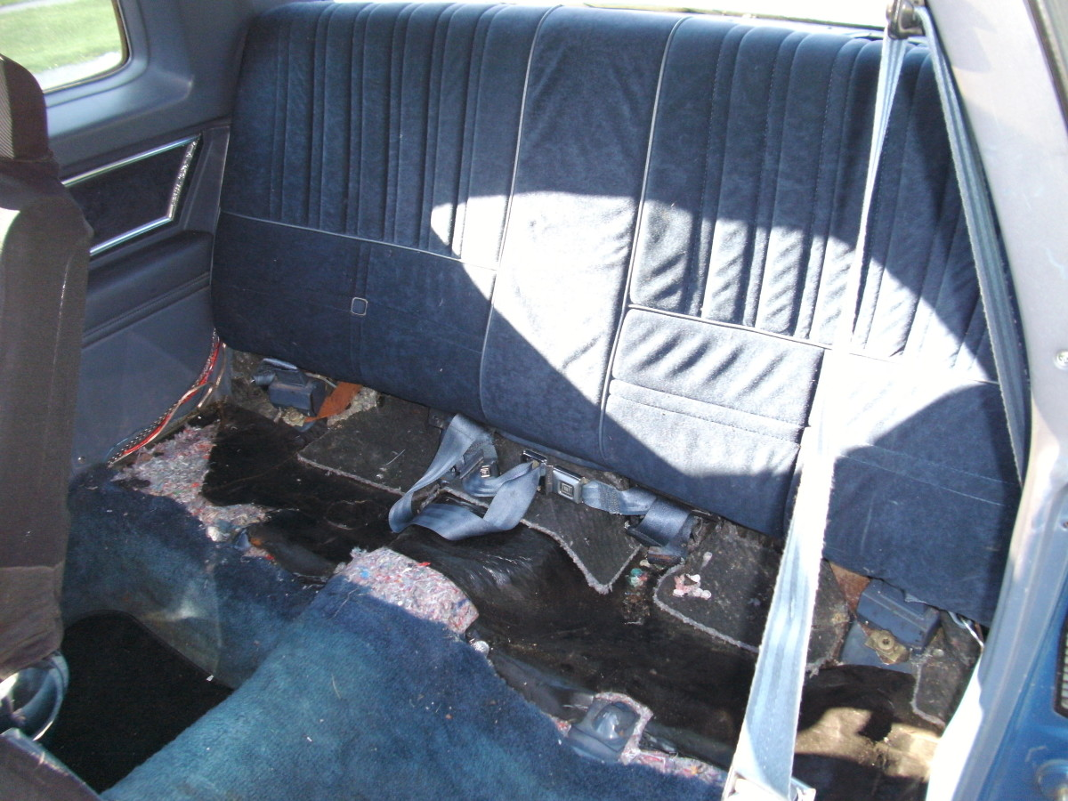 How To Reupholster A Vehicle Bench Seat.. Full resolution  file, nominally Width 1024 Height 768 pixels, file with #466585.