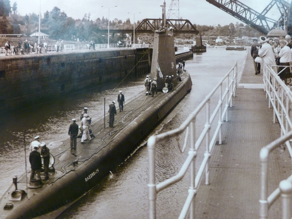 A submarine passing through the Locks (picture from Visitor's Center)