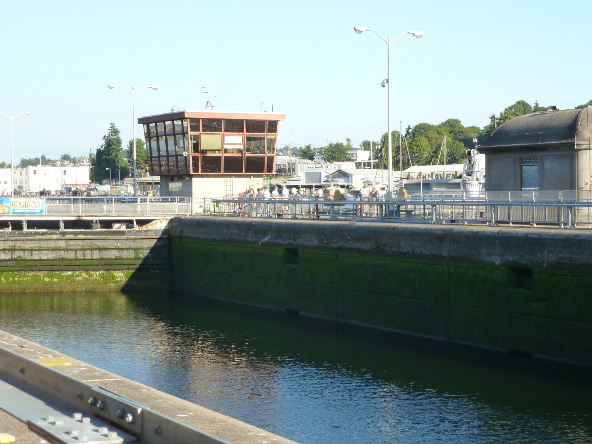 The large lock and the central control tower