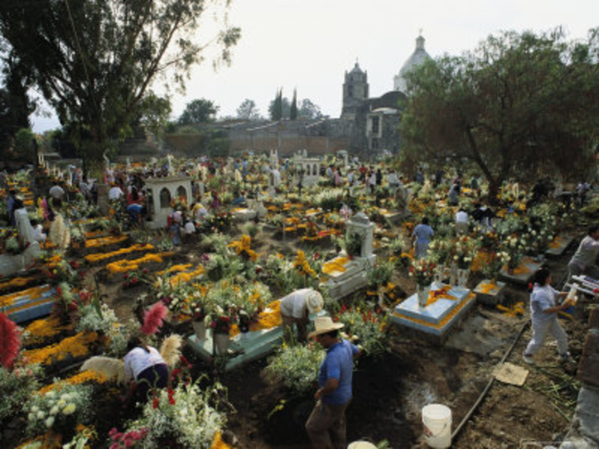 Mexicans Celebrating el Dia de Los Muertos Keep Vigil in Cemeteries, Mexico