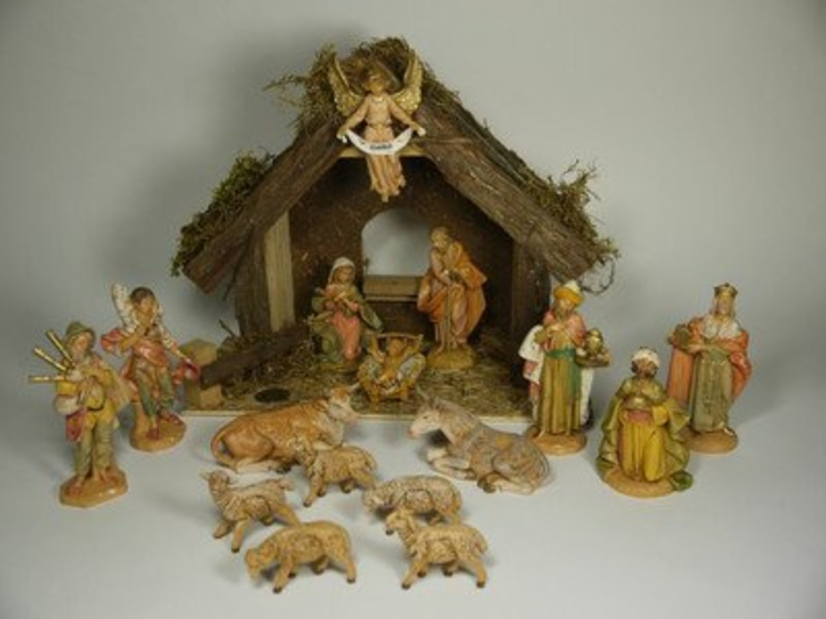 Nativity Figurines, Scenes and Displays for in the Home