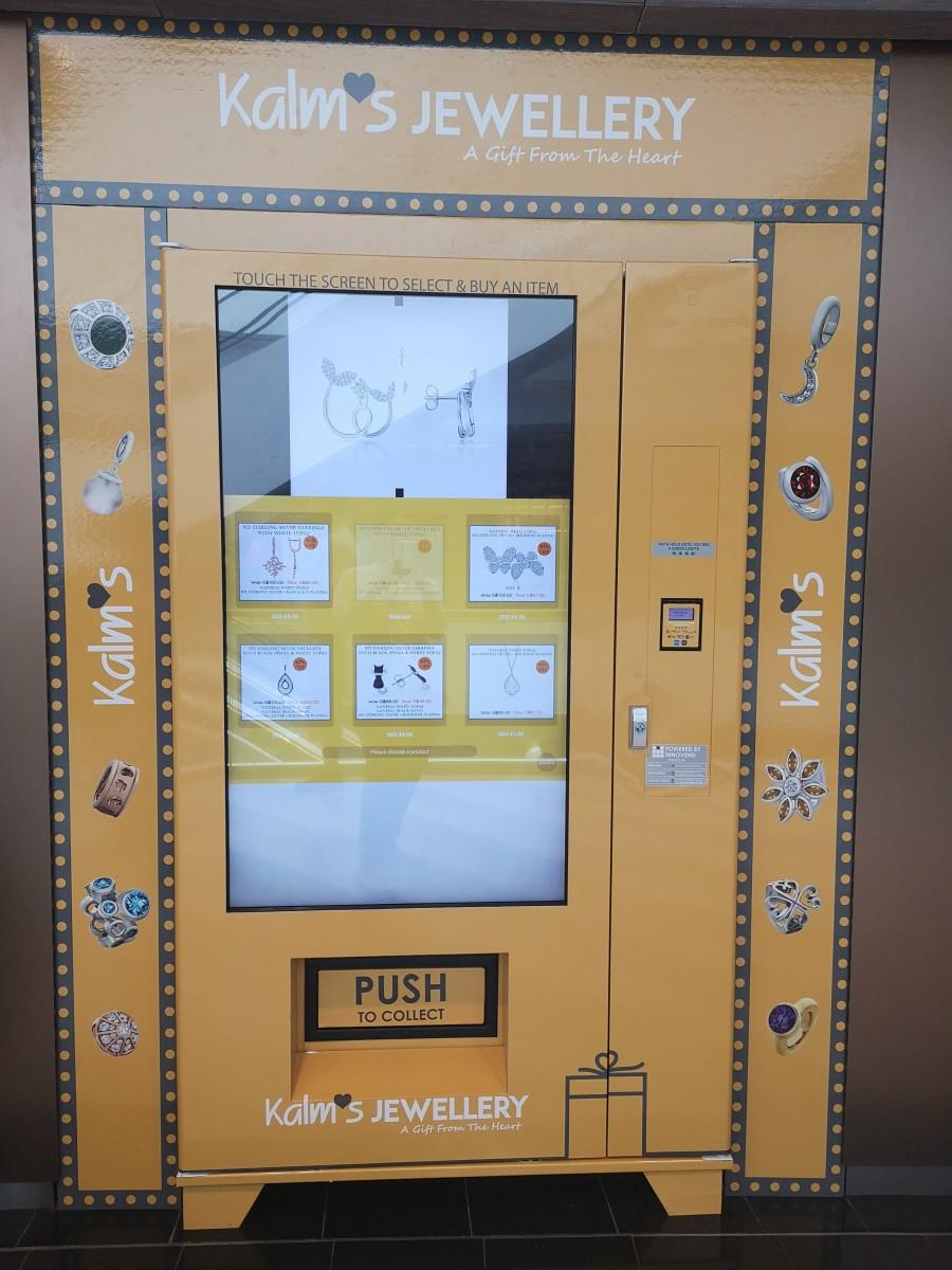 Vending machine selling jewellery