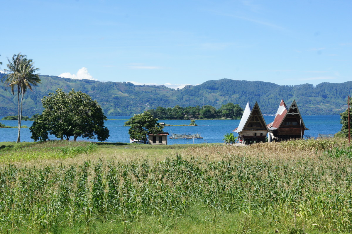 Lake Toba, where I first spotted the Southern Cross.